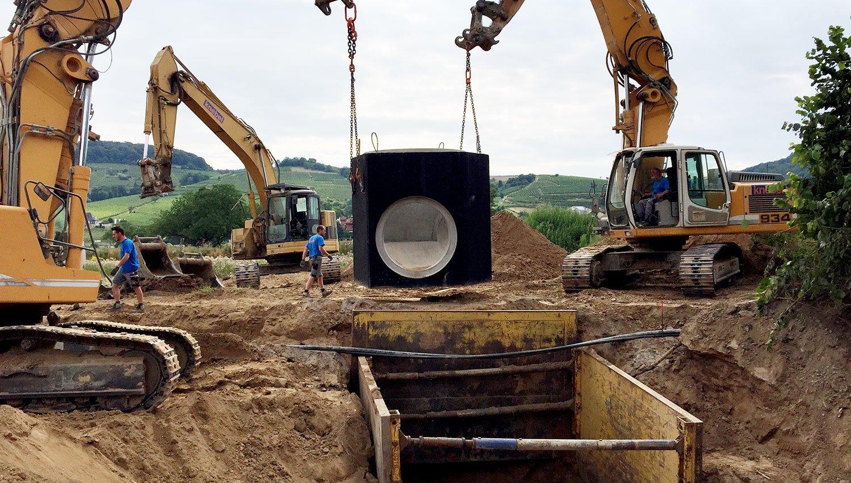 KNEBEL Baugesellschaft Projekt Kanalbau - Verbausysteme Spundwandsystem bzw. Gleitschienenverbau